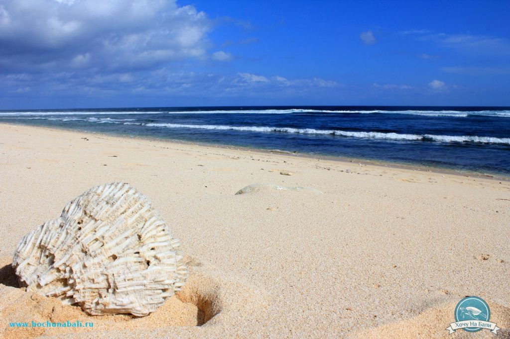 пляж в районе Нуса Дуа